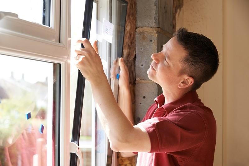 Mit etwas Geschick können auch Sie Fenster selber einbauen.